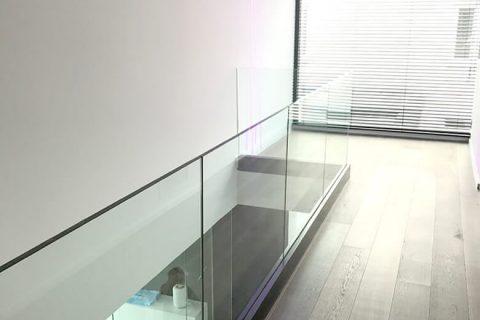 Vrijstaand Glas