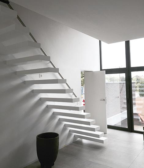 zwevende trap modern